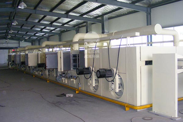 Tensioning machine heating system